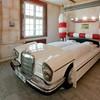 Тематический отель V8 - для влюбленных в автомобили